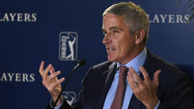 El comisionado del PGA Tour atiende a los medios en una rueda de prensa reciente. © PGA Tour