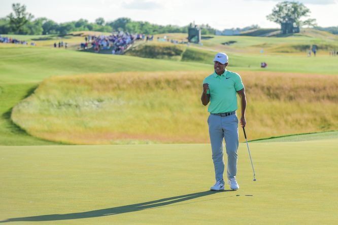 Brooks Koepka durante la ronda final en Erin Hills. © Golffile | Ken Murray