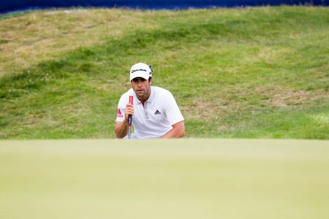Adrian Otaeguien en el hoyo 18 durante la segunda ronda en Dundonald Links. © Golffile | Fran Caffrey