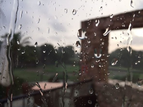La lluvia ha sido protagonista en la llegada a La Manga Club. © Adolfo Juan Luna