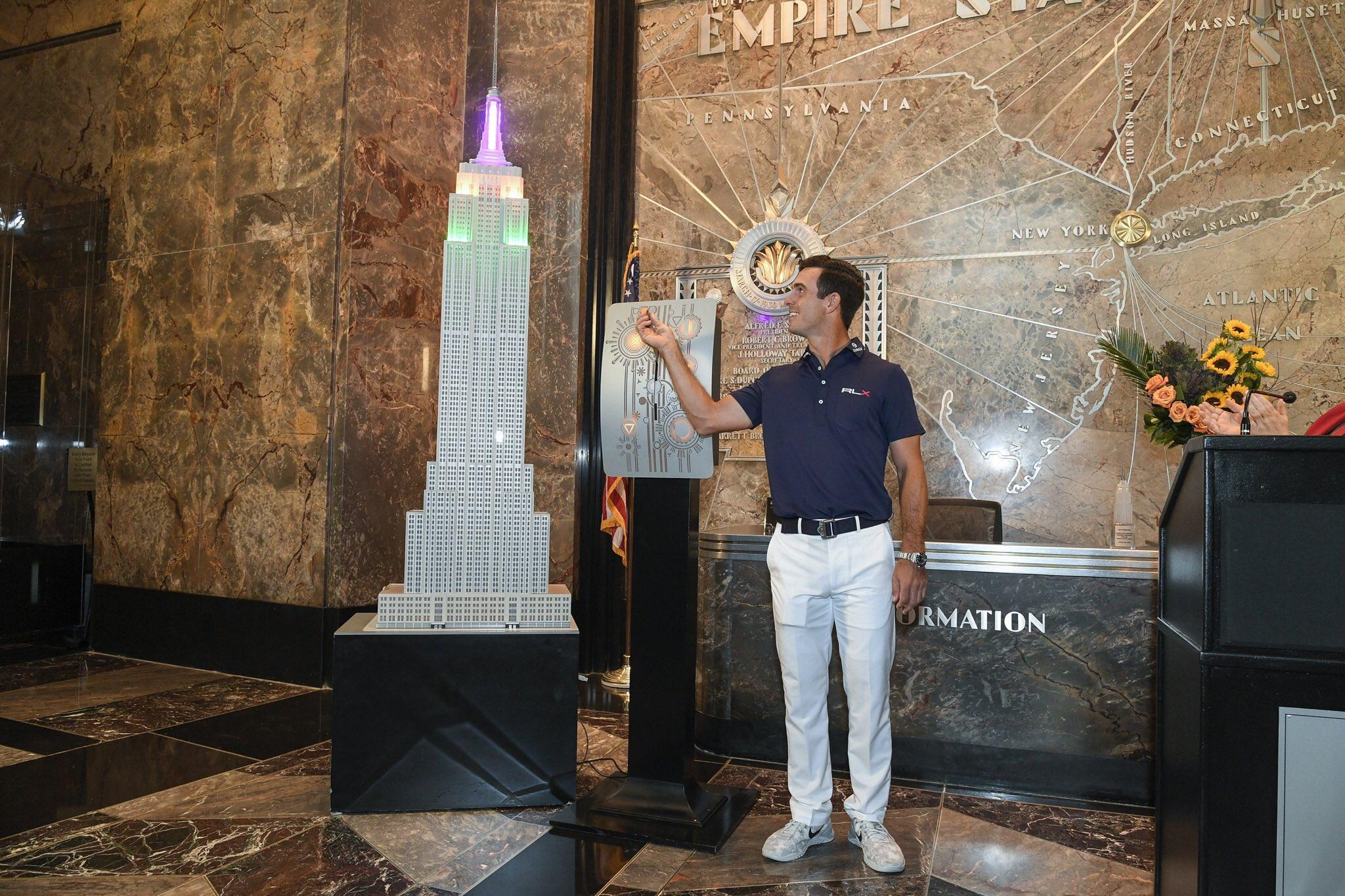 Billy Horschel, en el Empire State Building © PGA Tour