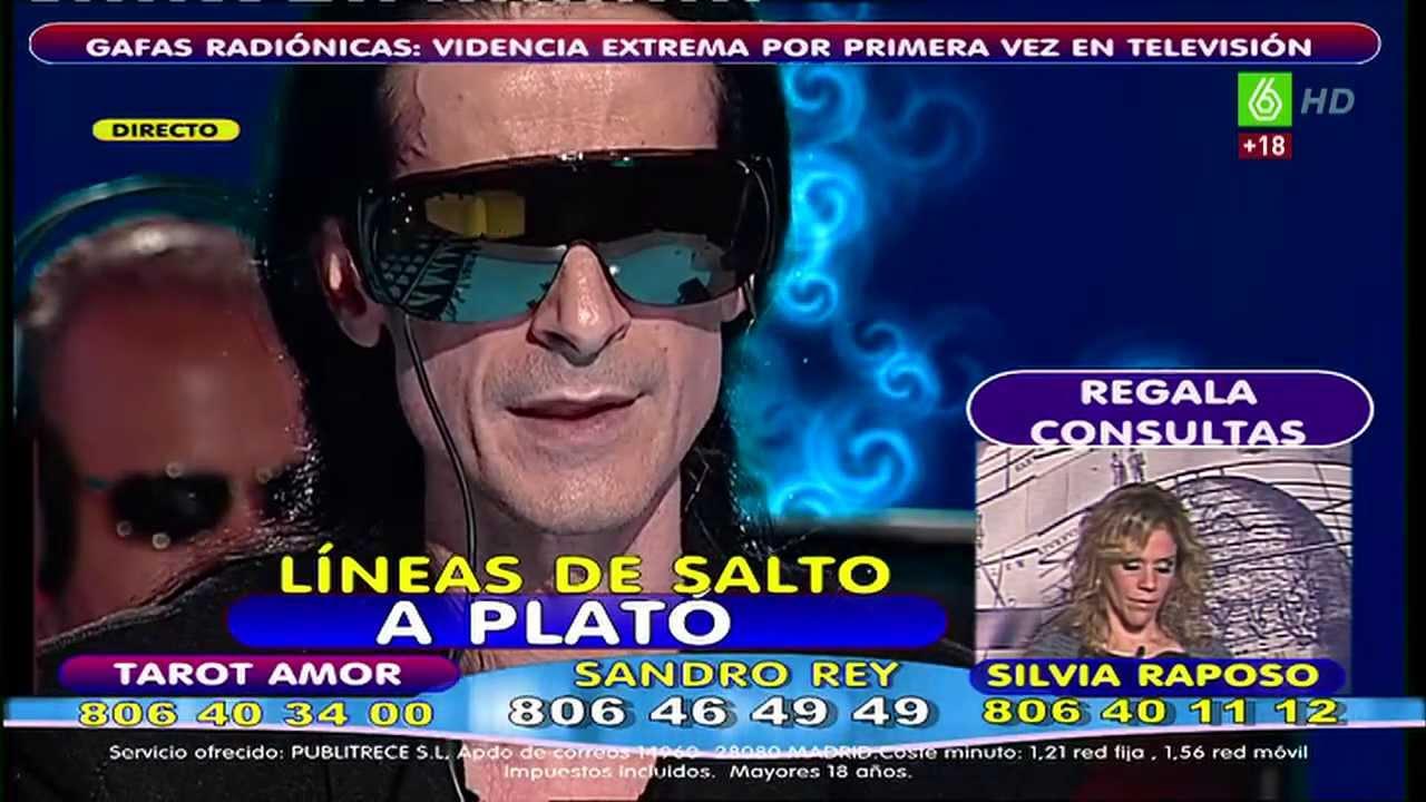 Sandro Rey y sus gafas radiónicas.
