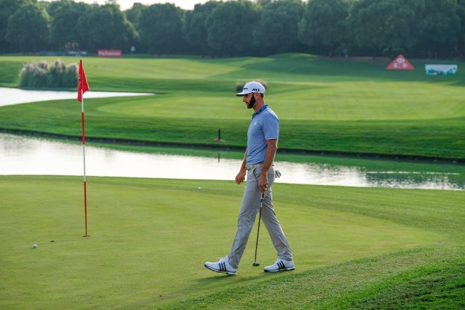 Dustin Johnson en el Sheshan International Golf Club. © Golffile | Fran Caffrey