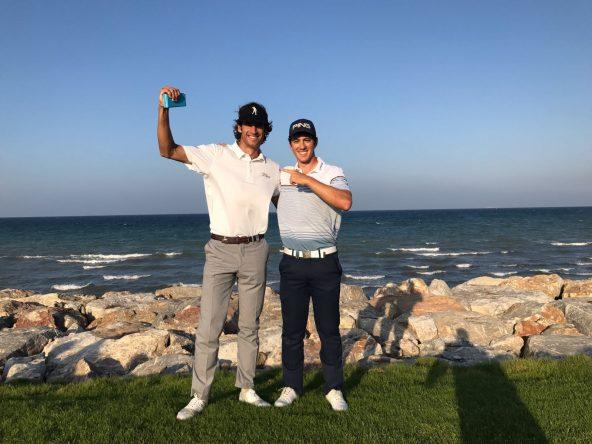 Pedro Oriol y Scott Fernández posan tras el éxito en Omán. © Pedro Oriol