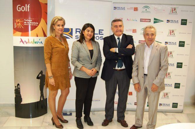 Isabel Guisado, Agripina Cabello, Agustín Ruiz y Javier Bermejo, durante la presentación en la sede de Reale en Sevilla.