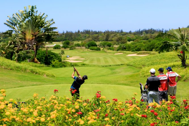 Scott Fernández y Adolfo Juan Luna, durante el AfrAsia Bank Open. © Golffile | Phil Inglis