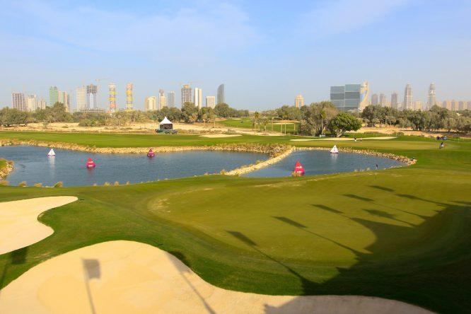 Vista del green del hoyo 18 del Doha Golf Club, sede del Commercial Bank Qatar Masters. © Golffile   Phil Inglis