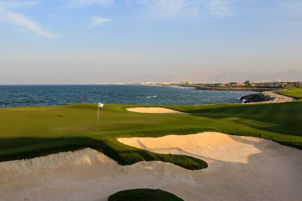 El hoyo 18 del Al Mouj Golf. © Golffile | Phil Inglis