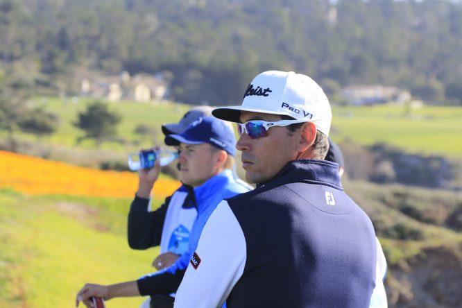 Rafa Cabrera Bello, en la última ronda del AT&T Pebble Beach Pro Am, junto a Jordan Spieth. © Eoin Clarke | Golffile