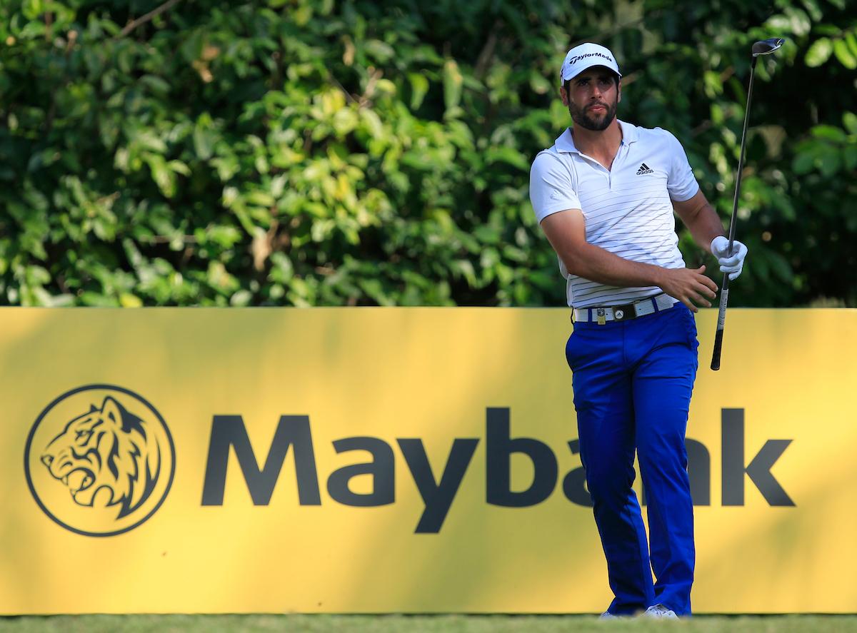 Adrián Otaegui hoy en el hoyo 8 del Saujana Golf. © Golffile | Thos Caffrey