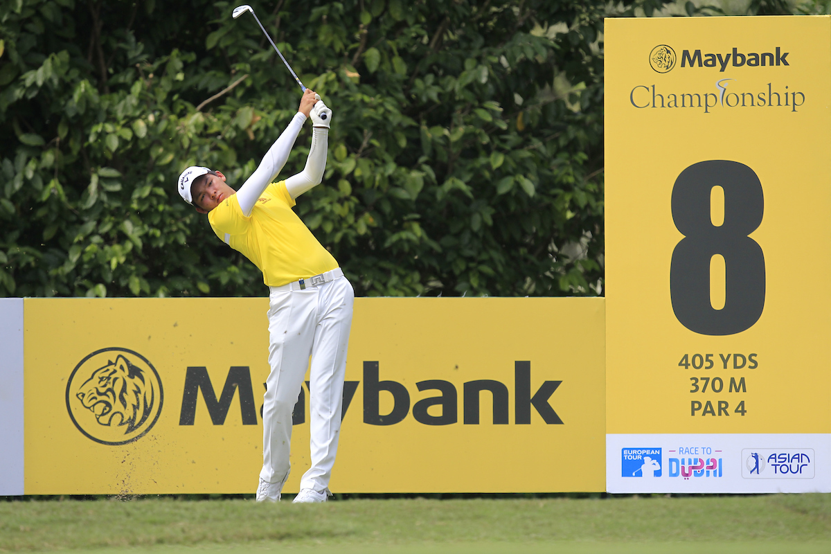 Phachara Khongwatmai durante la segunda jornada del Maybank Championship. © Golffile | Thos Caffrey
