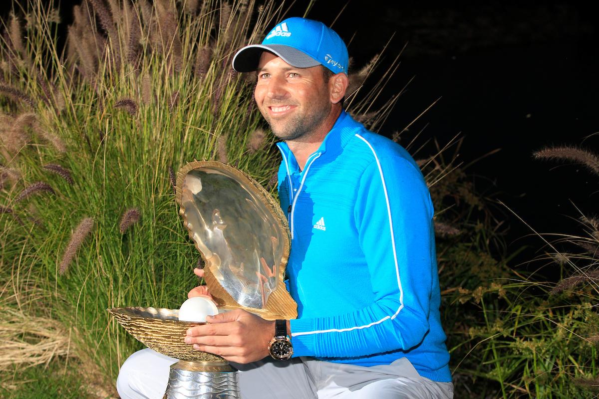 Sergio García, con el trofeo de ganador del Qatar Masters 2014. © Golffile   Eoin Clarke
