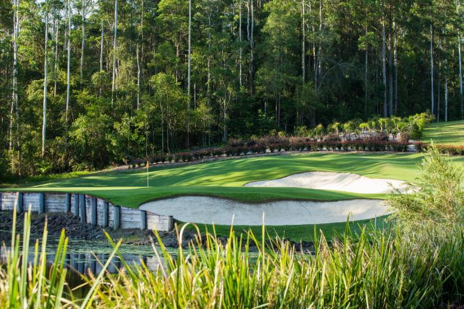 El hoyo 17 del Bonville Golf Resort (par 3). © Tristan Jones