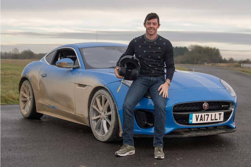 Rory McIlroy, con el Jaguar F Type © Amazon Prime Video