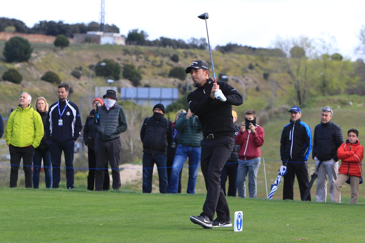 Pablo Larrazábal en el hoyo 12 durante la segunda jornada en el Centro Nacional de Golf© Golffile | Thos Caffrey
