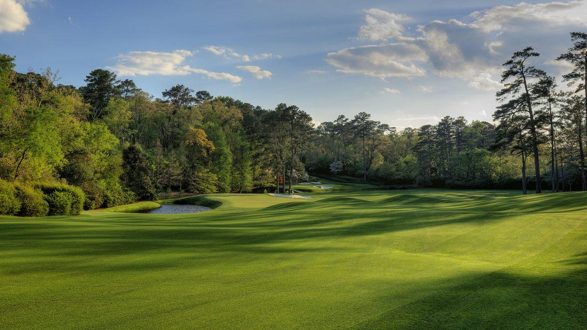 Vista del segundo tiro en el hoyo 11 del Augusta National. © The Masters