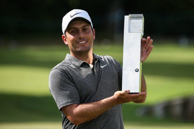 Francesco Molinari posa con el trofeo de ganador del BMW PGA Championship. © Golffile | David Lloyd
