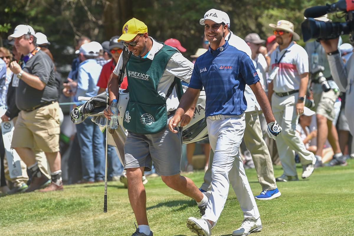 Shubhankar Sharma y su caddie en el WGC Mexico 2018. © Golffile | Ken Murray