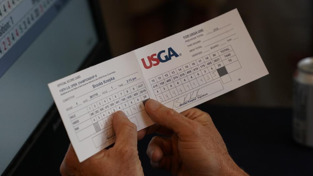 La tarjeta del campeón. Copyright USGA/Darren Carroll