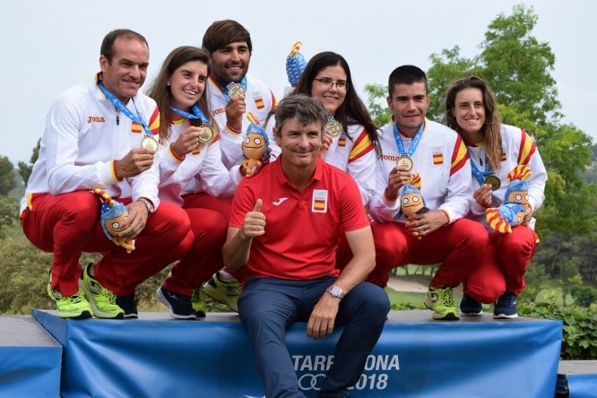 El equipo español al completo posa con las medallas de oro. © RFEGEl equipo español al completo posa con las medallas de oro. © RFEG