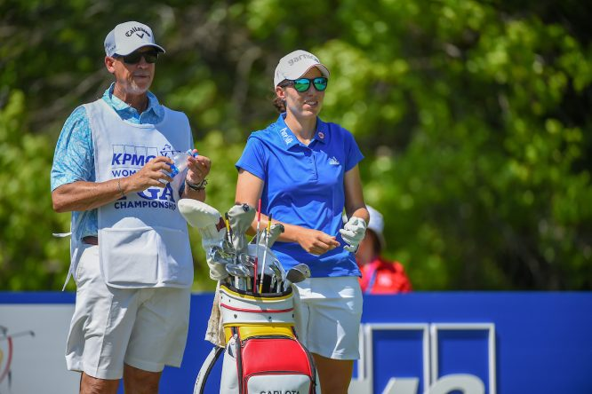Carlota Ciganda y Terry McNamara. © Golffile | Ken Murray