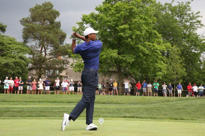 Tiger Woods en el hoyo 3 durante la segunda jornada del Memorial. © Golffile | Brian Spurlock