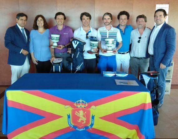 El equipo de Víctor Bertrán, ganador del Pro-Am del Alps Tour de Andalucía.
