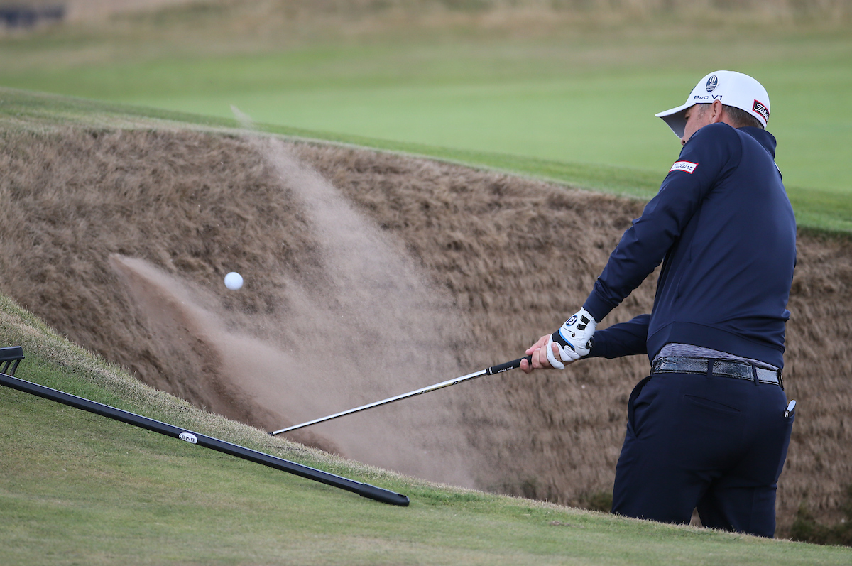 Matt Jones saca de búnker. © Golffile   David Lloyd
