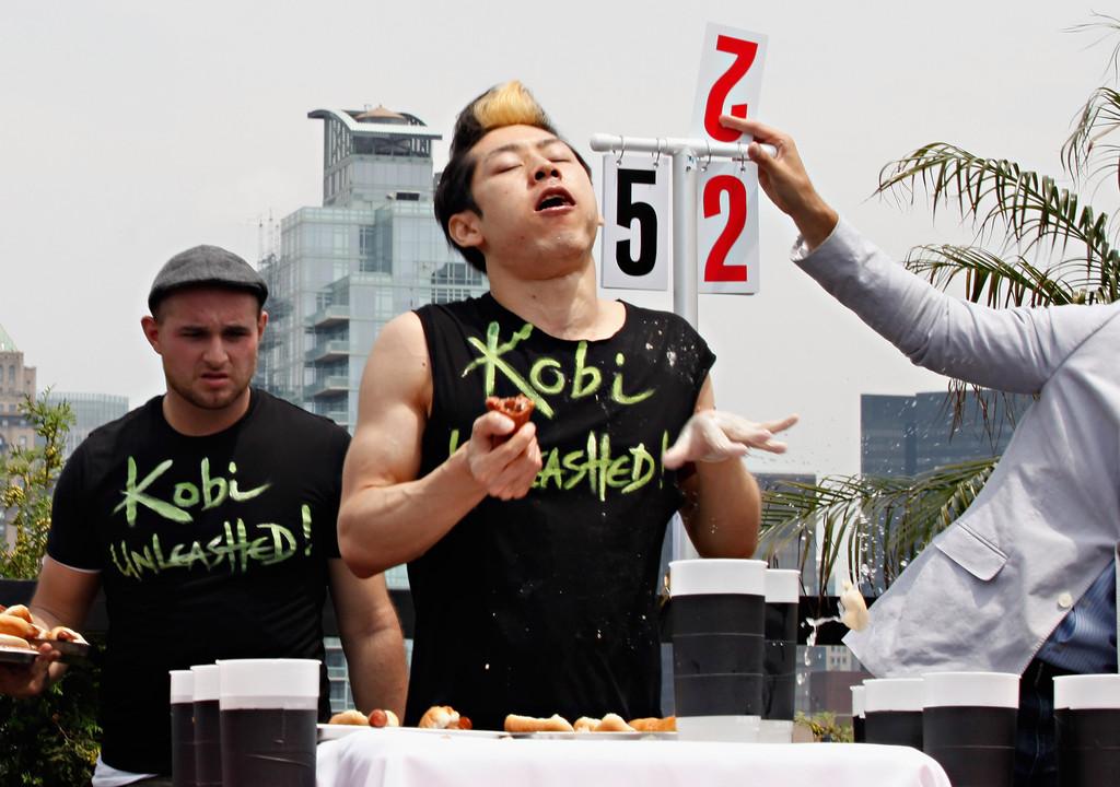 Takeru Kobayashi, en plena competición.