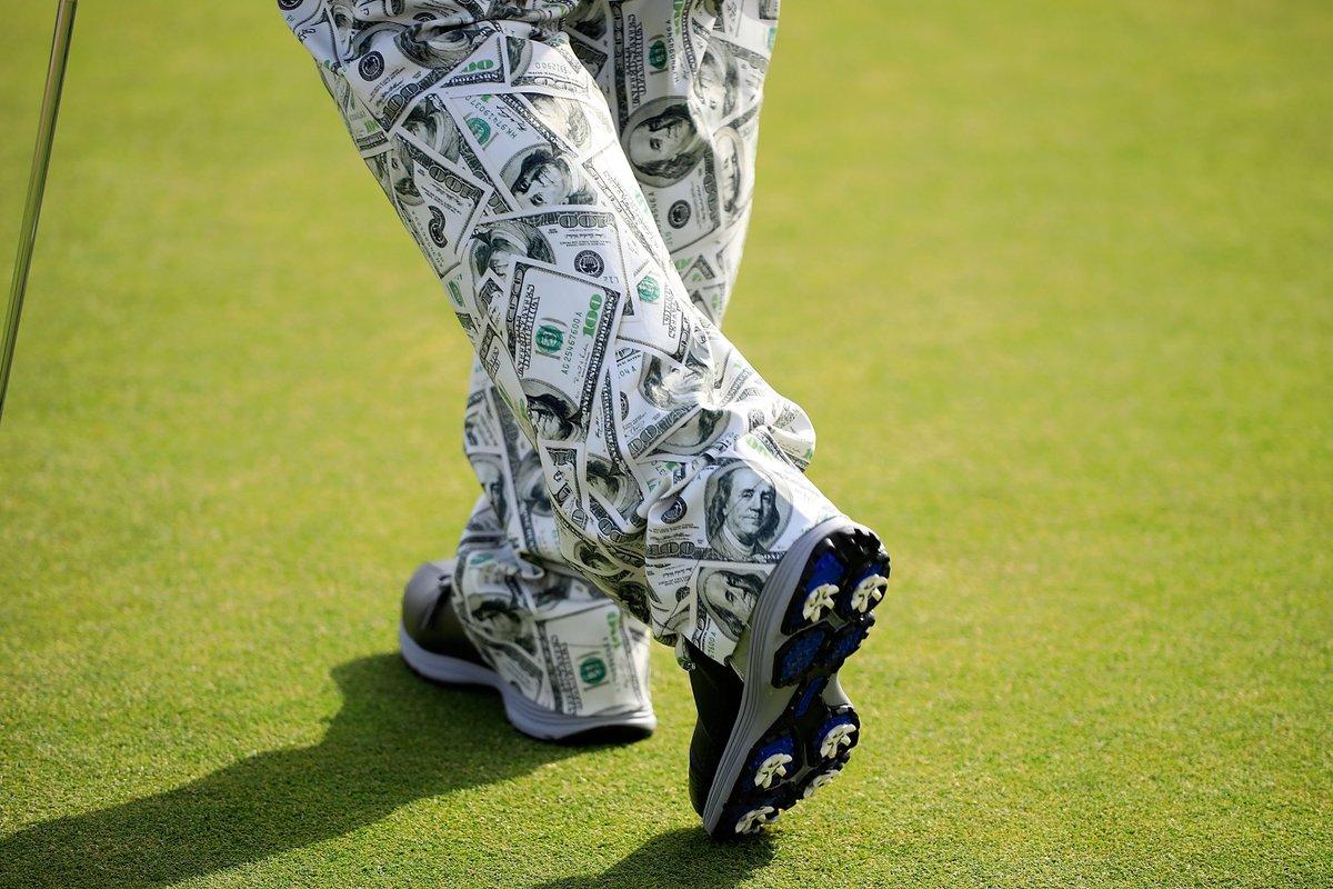 Los pantalones de John Daly, ayer durante la ronda de prácticas.