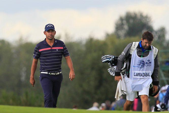 Pablo Larrazábal y su caddie Raúl Quirós esta semana en el The Dutch. © Golffile   Thos Caffrey