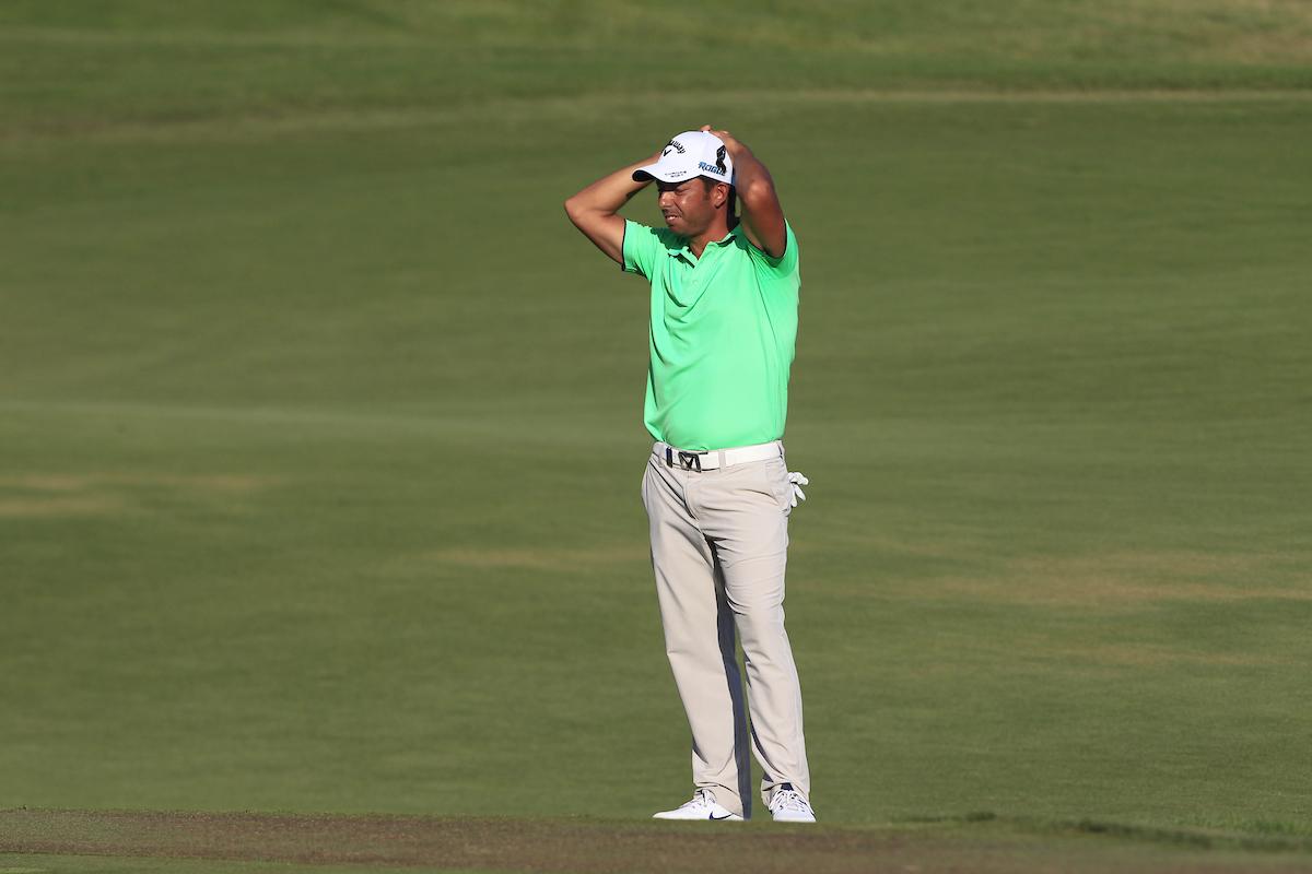 qPablo Larrazábal se lamenta tras su segundo golpe en el 18. © Golffile | Thos Caffrey