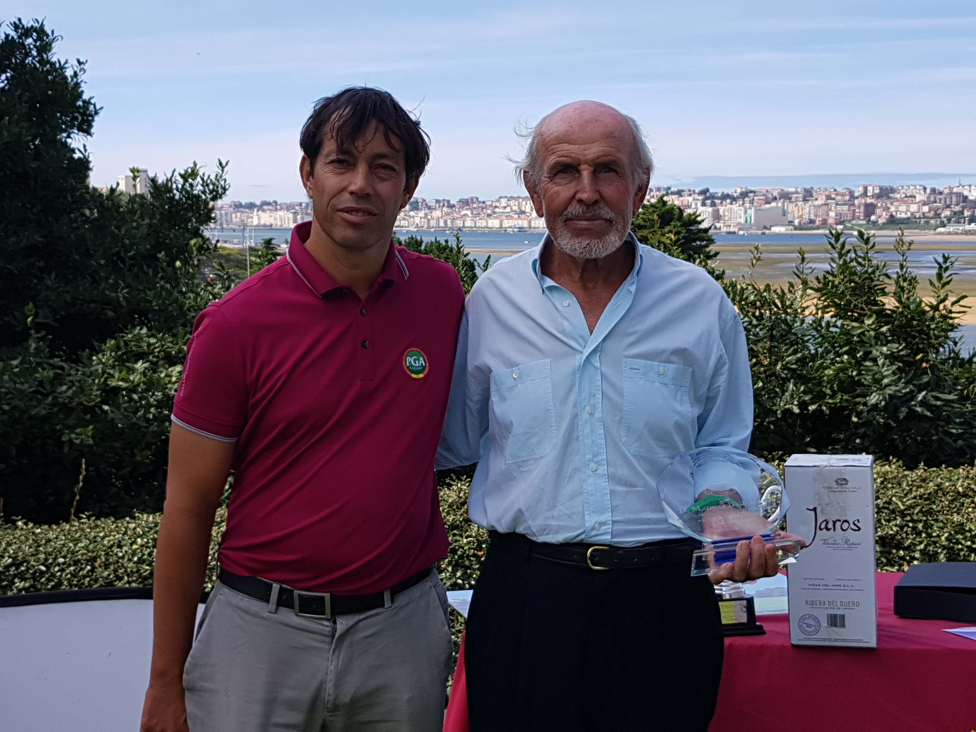 Homenaje de la PGA de España a Manolo Ballesteros, hermano de Seve.