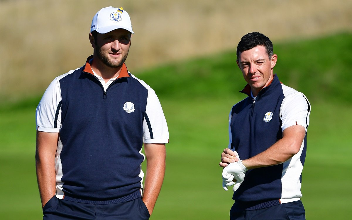 Jon Rahm y Rory McIlroy en el Golf National de París.