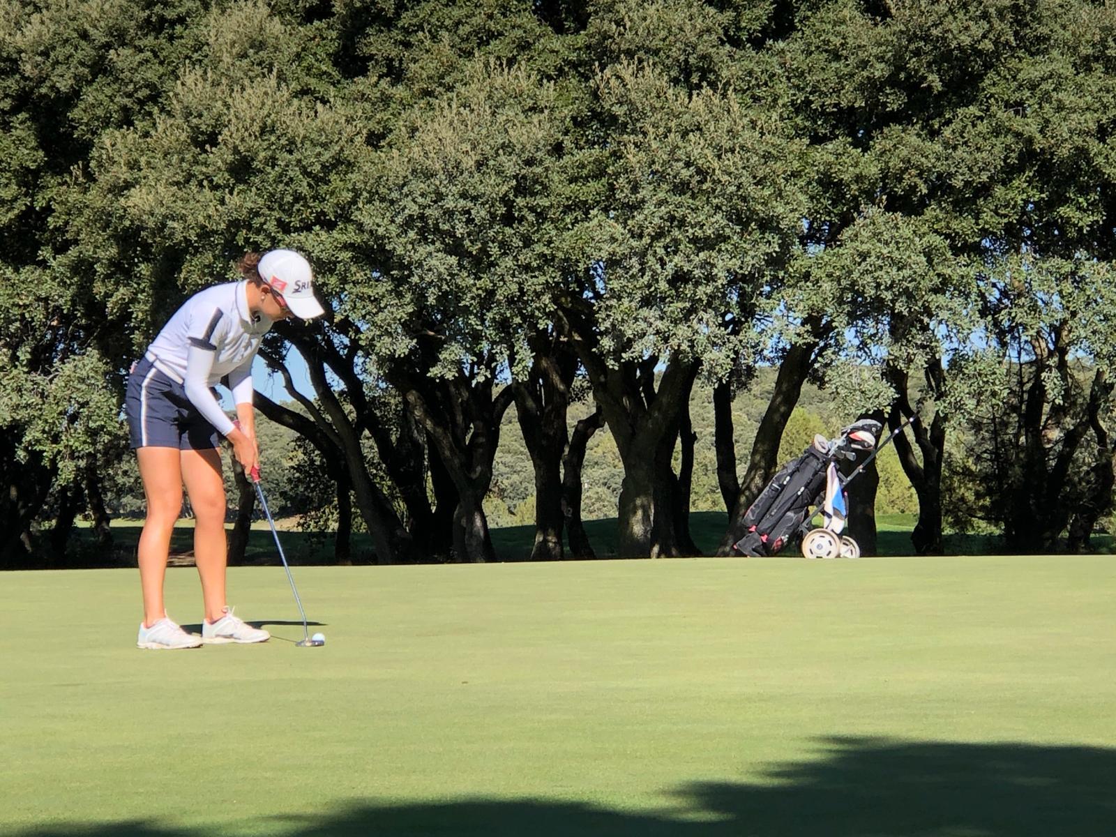 Mireia Prat durante la segunda jornada del Santander Golf Tour de Burgos.
