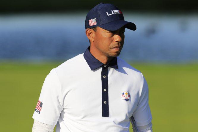 Tiger Woods en el green del hoyo 13 del Golf National durante la Ryder Cup 2018. © Golffile | Eoin Clarke