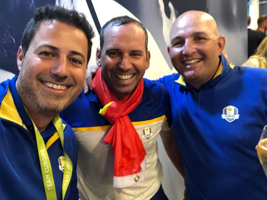 Junto a Víctor García y Sergio García, celebrando la victoria. © Pello Iguarán