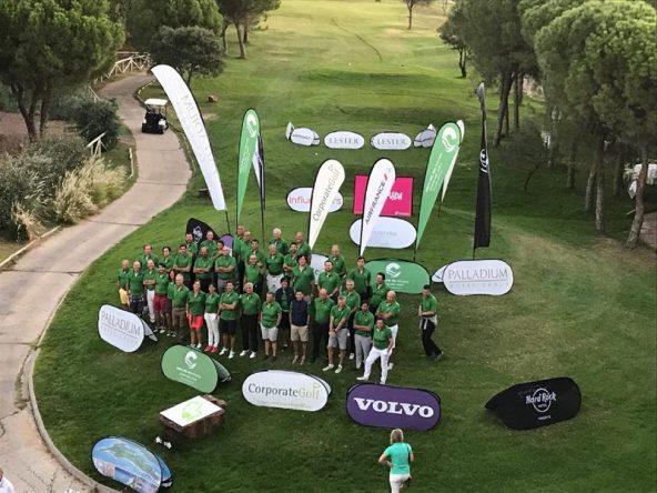 Foto de familia de la final del Circuito Corporate Golf.