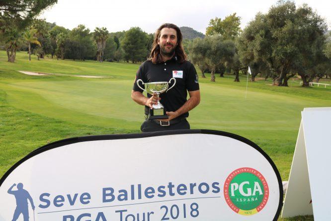Daniel Berná, ganador de la gran final del Seve Ballesteros Tour en Castellón.
