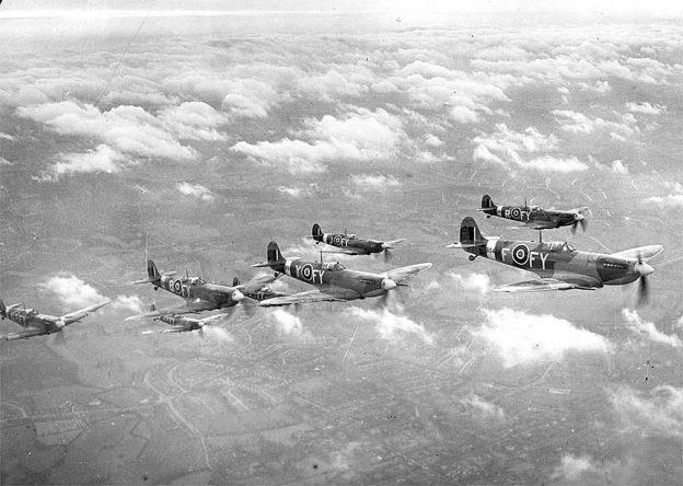 Spitfires, en pleno vuelo.