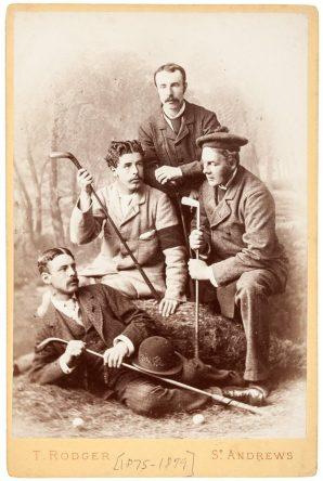 Molesworth, con sus hijos.