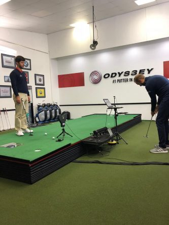 Jorge Campillo, junto a Mike Kanski, en las instalaciones de Phil Kenyon en Londres.