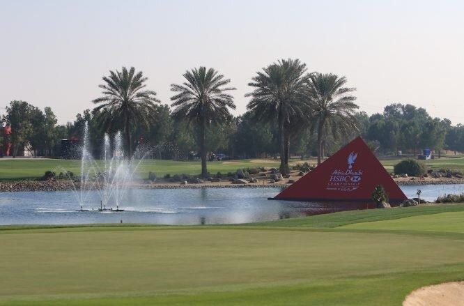 Vista del hoyo 18 del Abu Dhabi Golf Club, sede del Abu Dhabi HSBC Championship, primera parada de la Gira del Desierto. © Golffile | Thos Caffrey