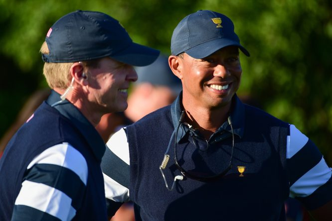 Tiger Woods, con Steve Stricker © Golffile | Ken Murray