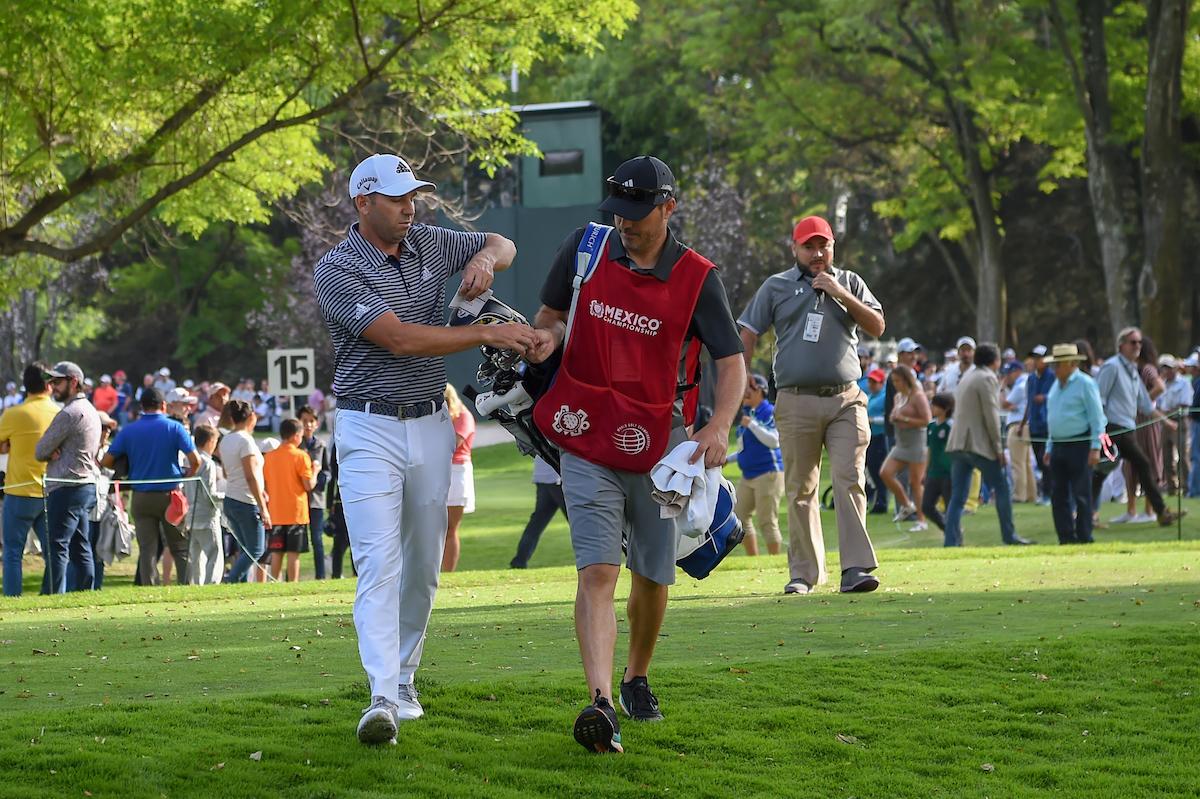 Sergio y Víctor García, durante la tercera ronda del WGC México Championship. © Golffile | Ken Murray