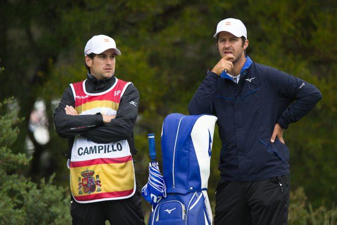 Jorge Campillo y su caddie Borja Martín Simo. © Golffile | Anthony Powter