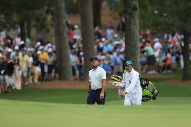 Francesco Molinari, junto con Pello Iguarán durante la cuarta ronda del Masters. © Golffile | Fran Caffrey