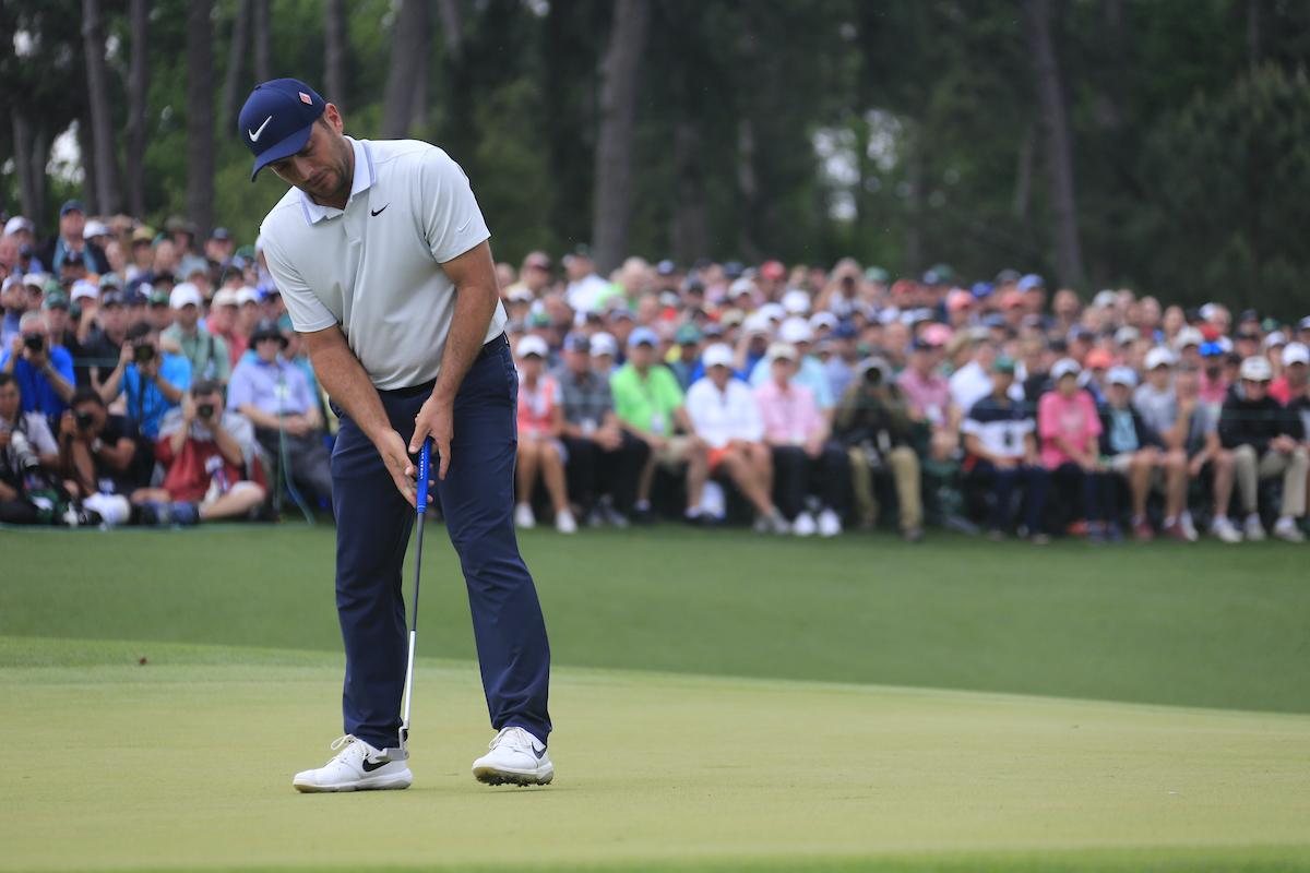 Francesco Molinari en el green del 18 durante la jornada final del Masters. © Golffile | Fran Caffrey