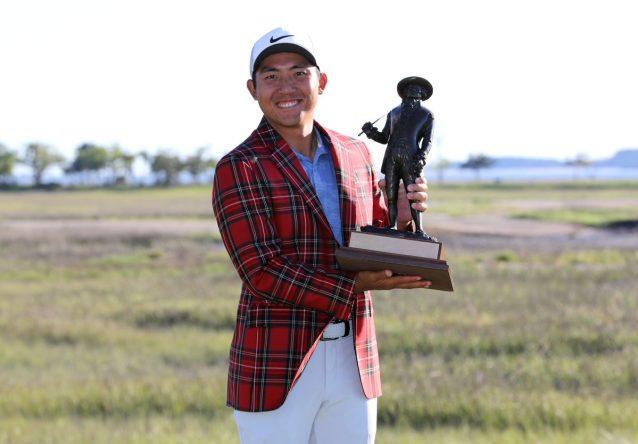 CT Pan posa con el trofeo y la chaqueta que lo acredita como ganador del RBC Heritage. © PGA Tour