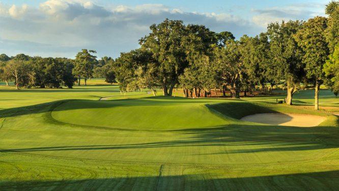El hoyo 11 del Country Club of Charleston.